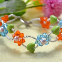 2015 New Craft: Glass Bead Flower Bracelet